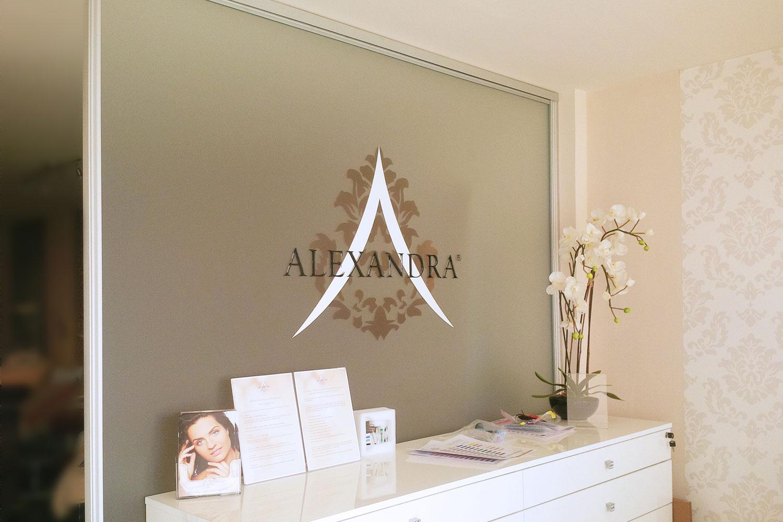 deluxer-grafikai-studio-alexandra-exclusive-beauty-tabla01