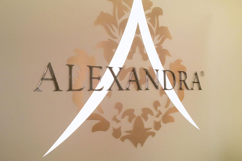 deluxer-grafikai-studio-alexandra-exclusive-beauty-tabla02