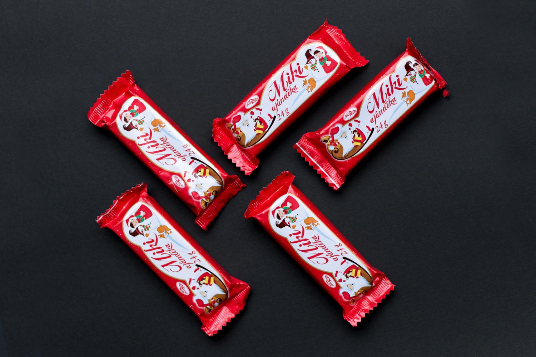 deluxer-grafikai-studio-microse-karacsonyi-csokolade-02